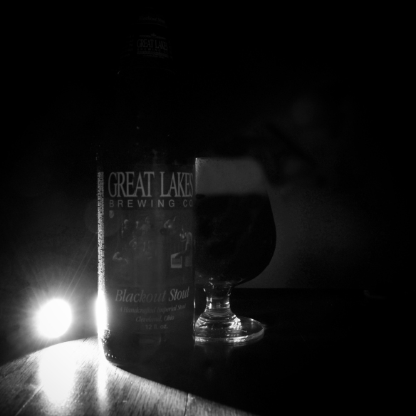 web-great lakes-blackout stout-stout-beer-beertography-winter-photo-picture
