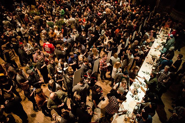 Crowds at Chicago's Uppers & Downers event.